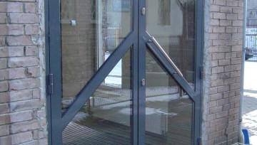 Przeciwpożarowe drzwi z profili stalowych w klasie EI30/EI60
