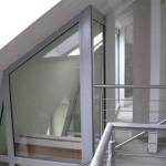 stoaralka stalowa na klatce schodowej